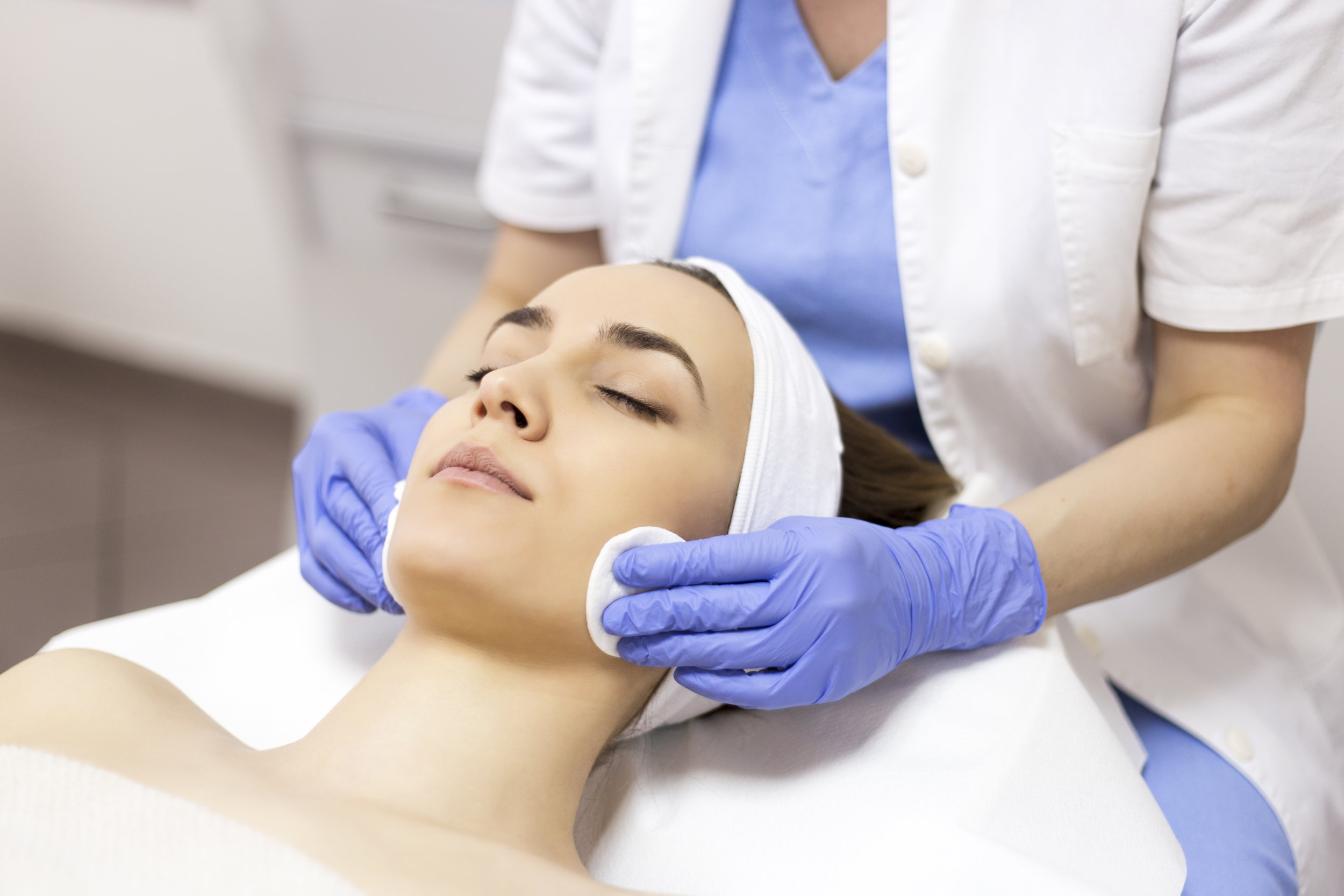 3 Ways Medical Aesthetics Training Leads To Long-Term Job Security