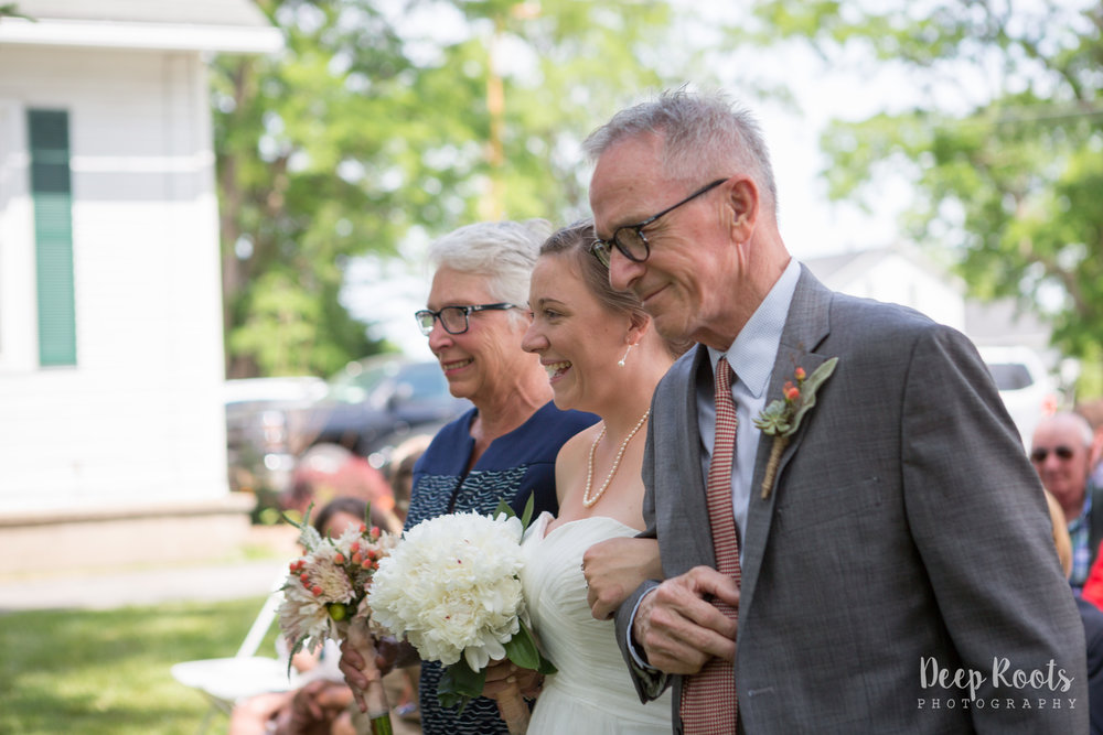 Love that both of Sarah's parents walked her down the aisle!