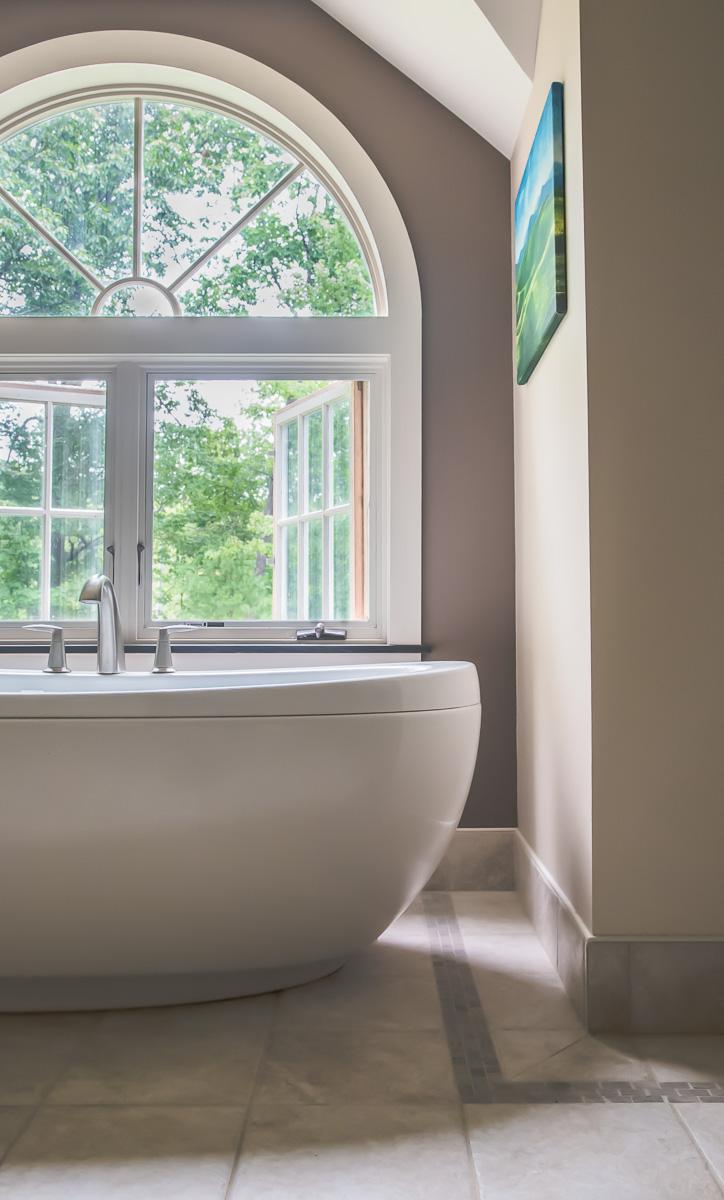 tub-soaking-zen-minimalist-bathroom.jpg