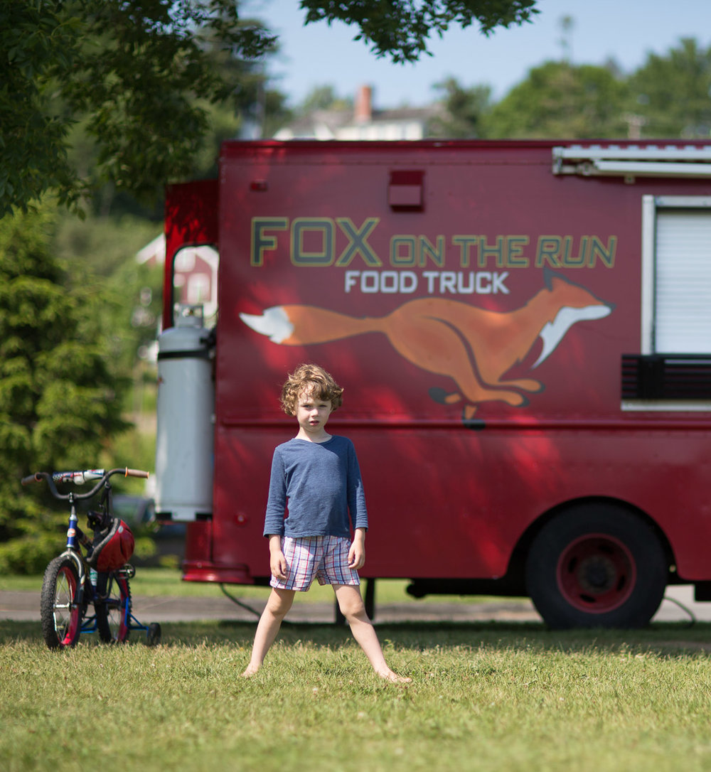 fox-on-the-run-foodtruck-portrait-rockport-maine.jpg