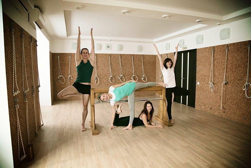 Опытные и высококвалифицированные преподаватели нашего центра йоги Айенгара в Нижнем Новгороде