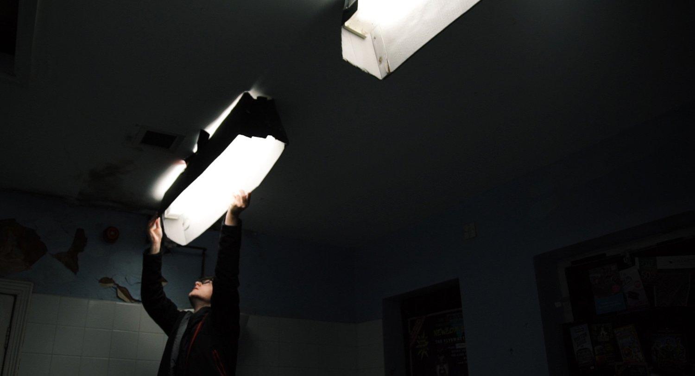 diy light skirting the film look