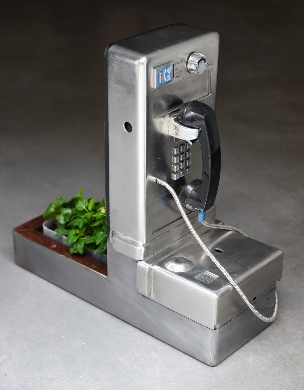 Payphones (Ivy), 2015