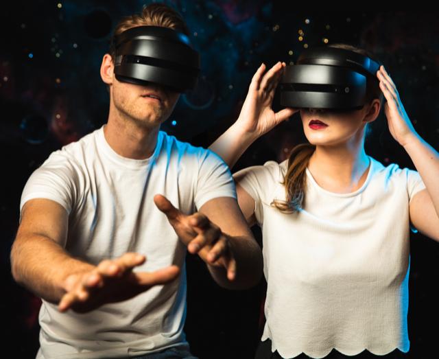 TAR-VR-Duo_sm.png
