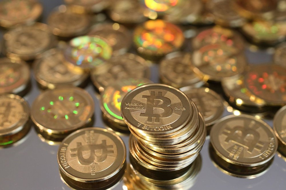 la-fi-tn-bitcoin-exchangers-arrested-in-silk-r-001.jpg