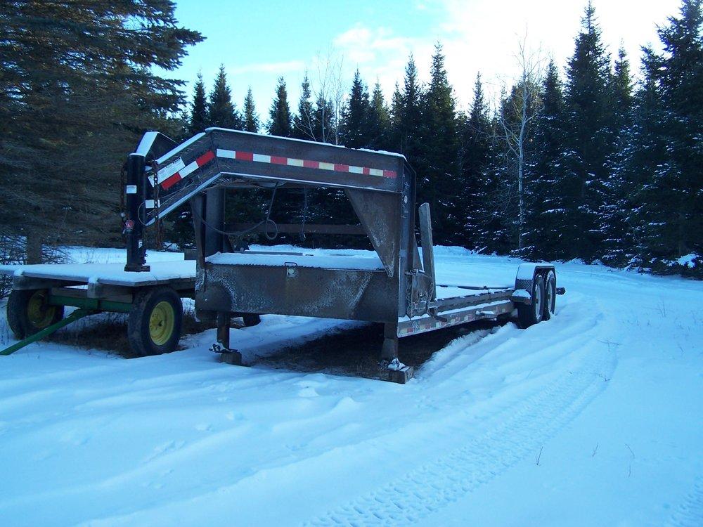 kientop 5th wheel trailer.JPG