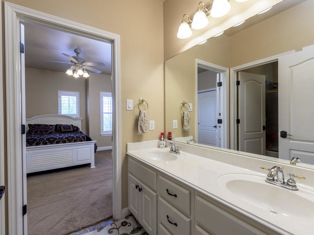 6017 Pirun Ct Austin TX 78735-MLS_Size-051-52-Jack and Jill Bath-1024x768-72dpi.jpg