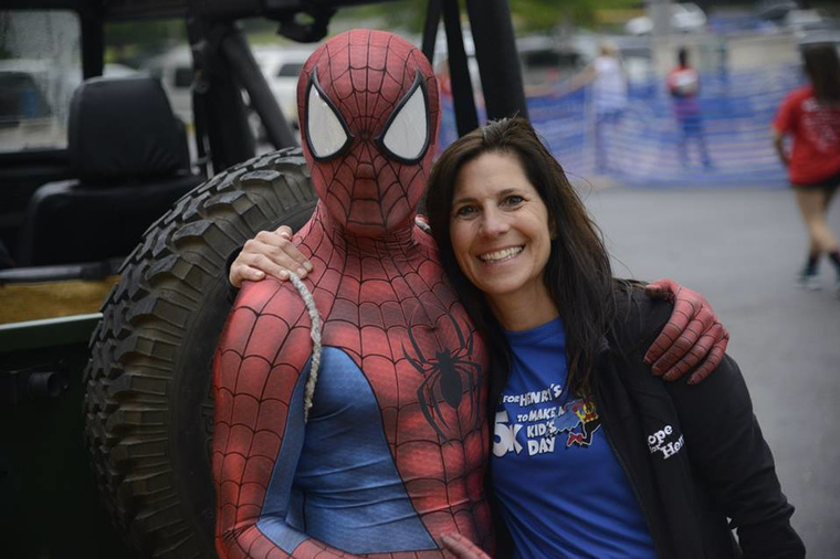 SpideySteve with Laurie Strongin. Photo credit: Hope for Henry