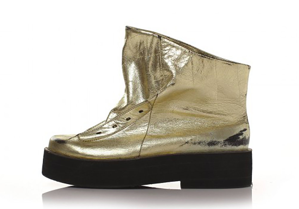- Boots Pora Gold by Void Shoes.  Fun Fact: Void Shoesspecializes in hand-crafted shoes made in Italy and Russia. They use the finest quality leather.https://voidshoes.com/en/onlajn-magazin/botinki/botinki-pora-goldInstagram: @voidshoes