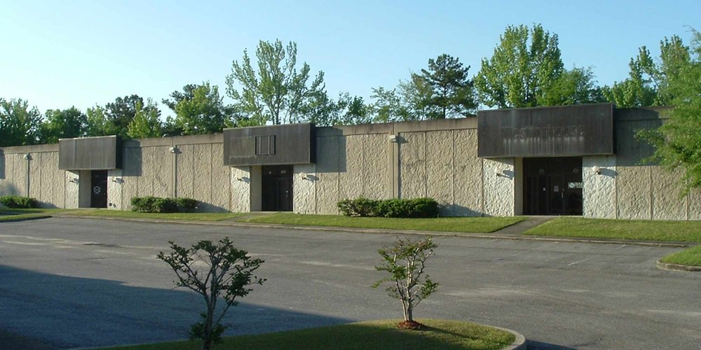 1125 Corporate Drive North - WAREHOUSE24,500±square foot multi-tenant office/warehouse building constructed of tilt-up concrete.Currently there is one vacancy,Suite 201 (2,750± SF), priced at $1,450.00 per month.Tenants: Swift Industrial Power, Filter Service Co.,Precision Tool & Grinding,All Over Janitorial Services,DMA Supply, and Trescal