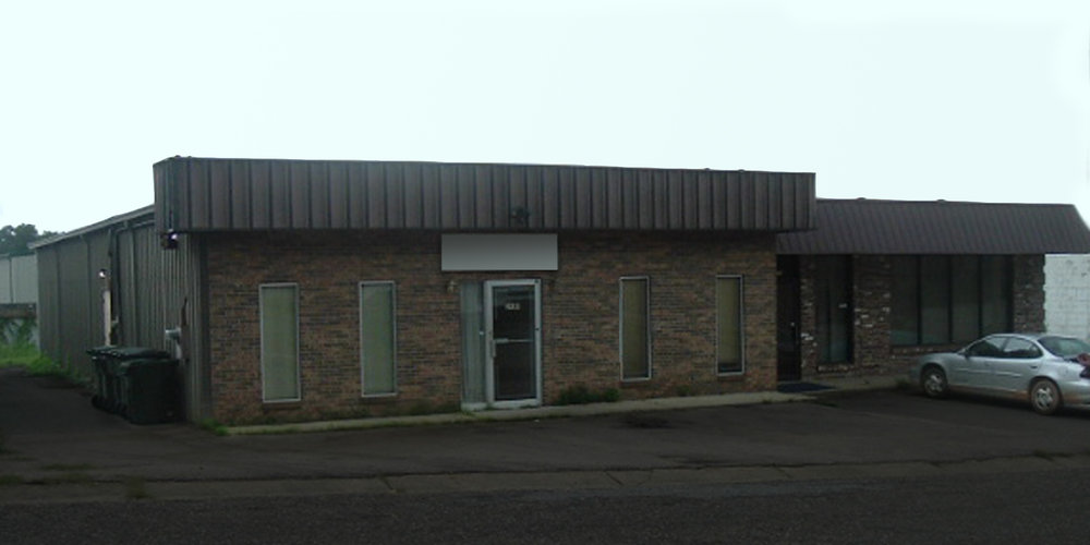 2480 Commercial Park Drive - WAREHOUSEA 2,500± square foot office/warehouse building located just off Highway 90 (Government Blvd). The building is 100% occupied.Tenant: Studio 221