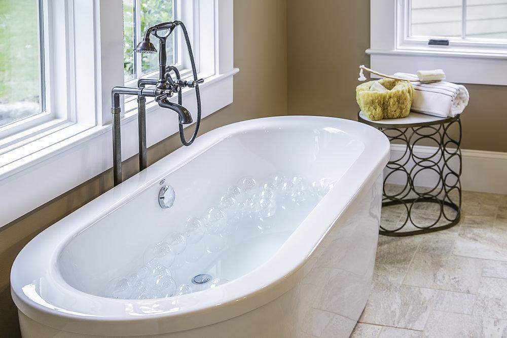 Master Bath-016.jpg