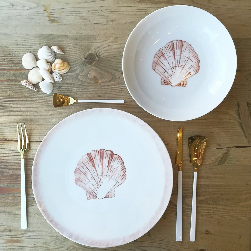 Set of dinner and soup plates 27 cms + 20 cms