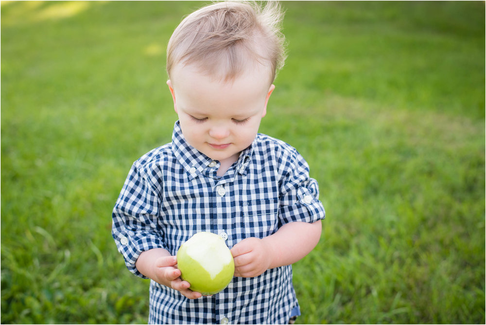 Green Bay WI 2 Year Old Session 10.jpg