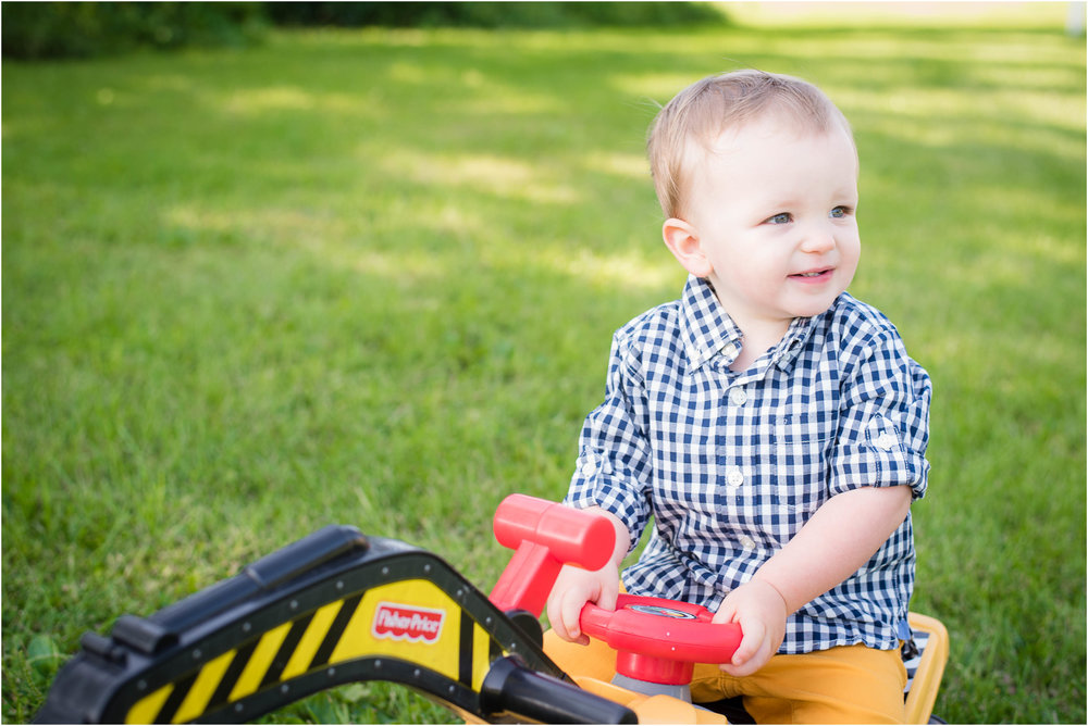 Green Bay WI 2 Year Old Session 17.jpg