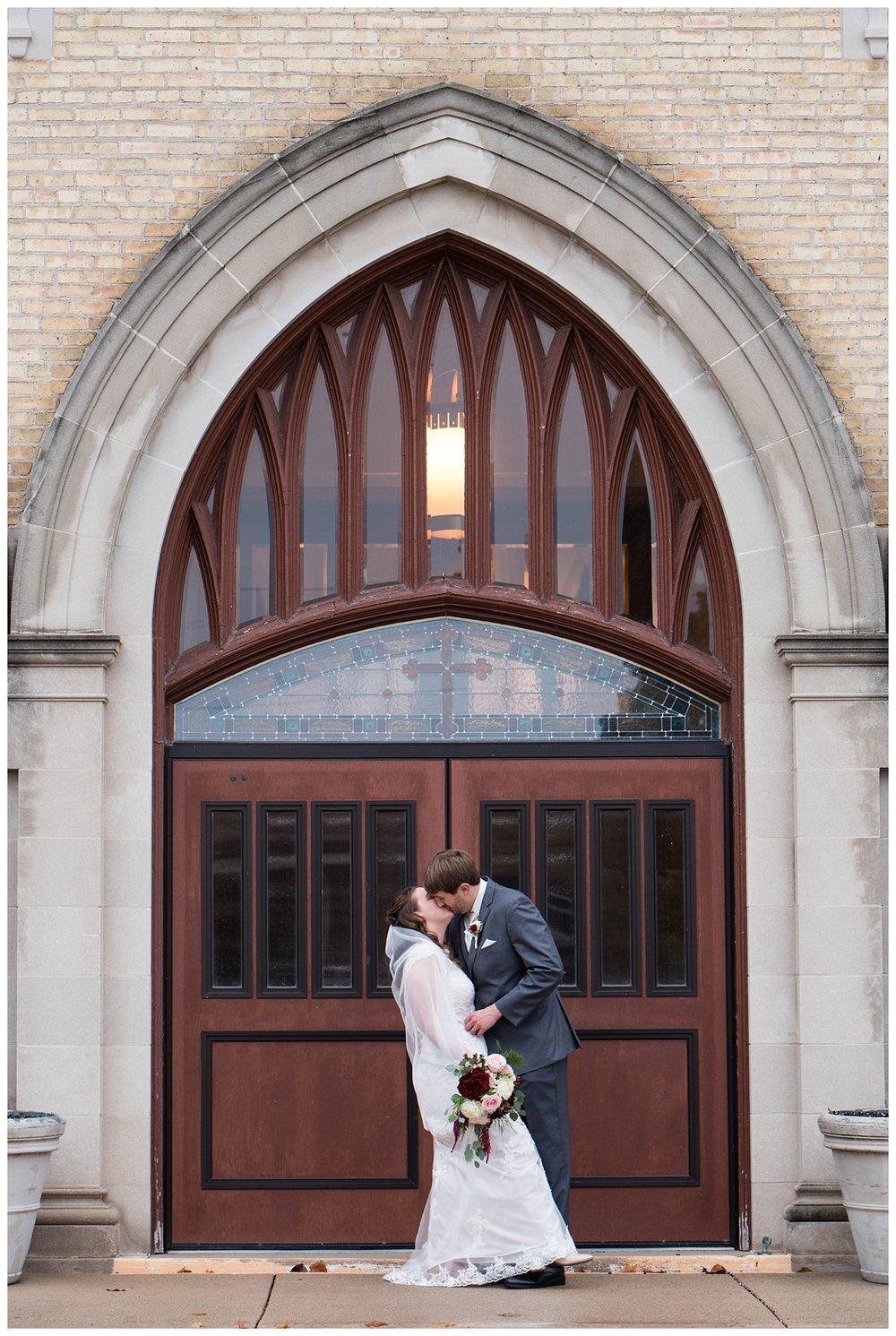 Fall Wedding at EAA Oshkosh WI_0036.jpg