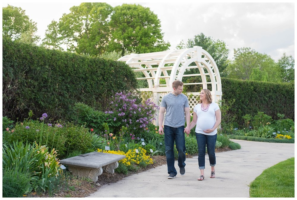 Green Bay Botanical Gardens Sunset Maternity Session_0011.jpg