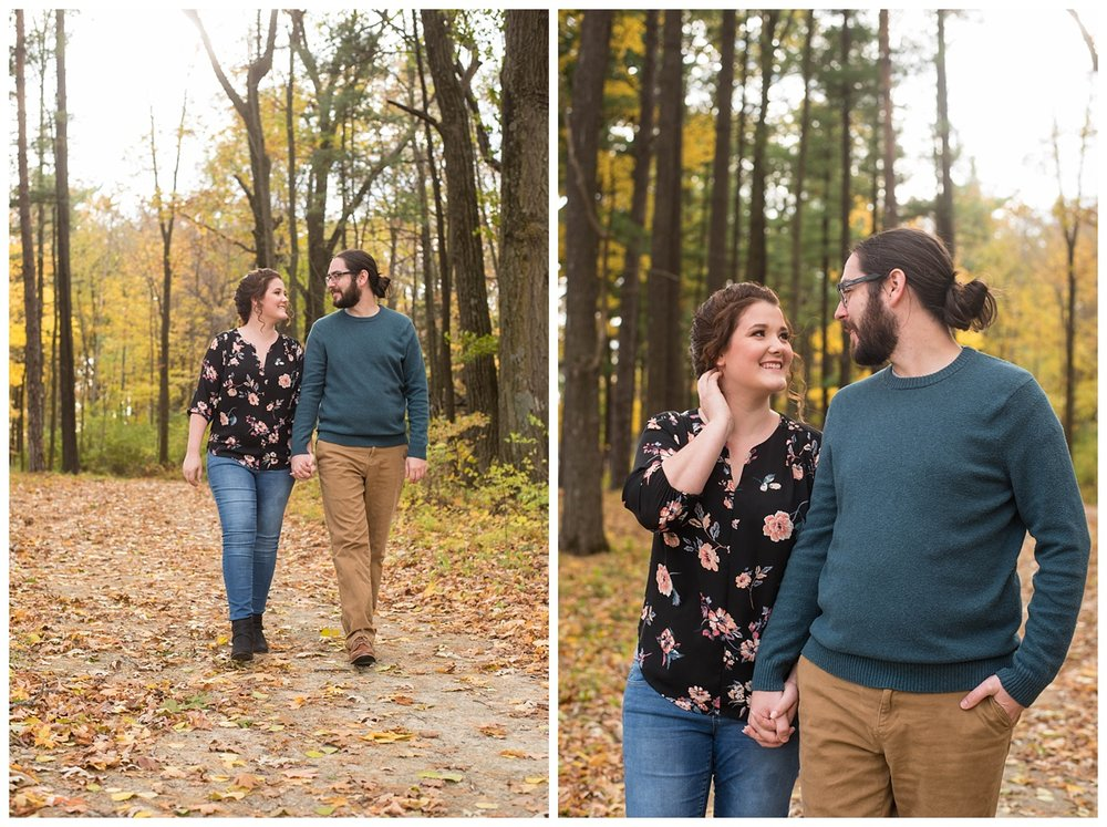 Green Bay, WI Fall Engagement Session_0002.jpg