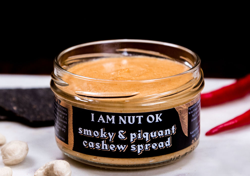 SMOKEYDOKEY - This smoky and slightly spicy cream cheese spread hosts a bold paprika flavour with a kick given by a generous dose of premium Spanish smoked paprika.