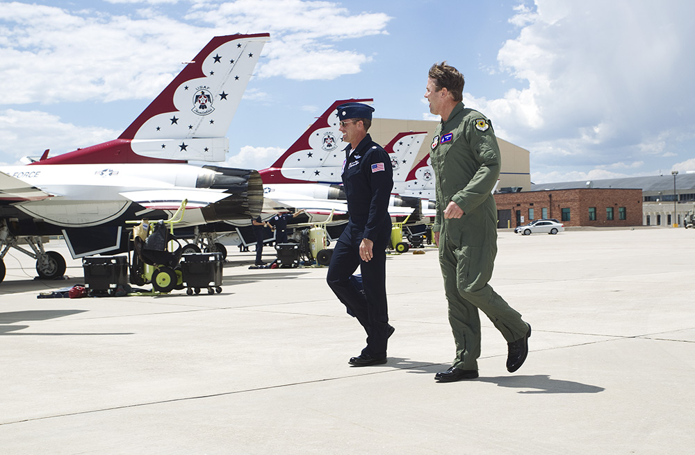 WEB CBR Tuff USAF Thunderbirds 121.jpg