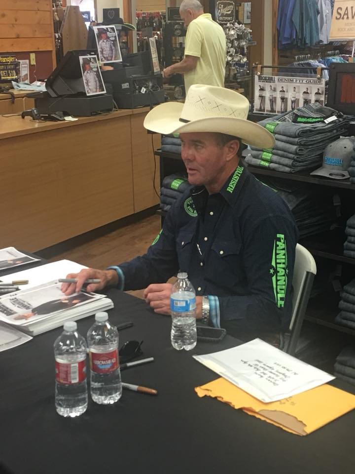 Hedeman will be signing autographs at Rural King on Saturday, September 15 at 10 am and again after the bull riding on the arena floor.
