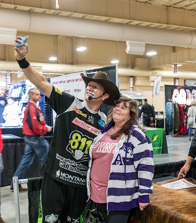 WEB THT Vegas '18 364 Bryce Redo-Beau Schueth-JJ Harrison-Fans.jpg