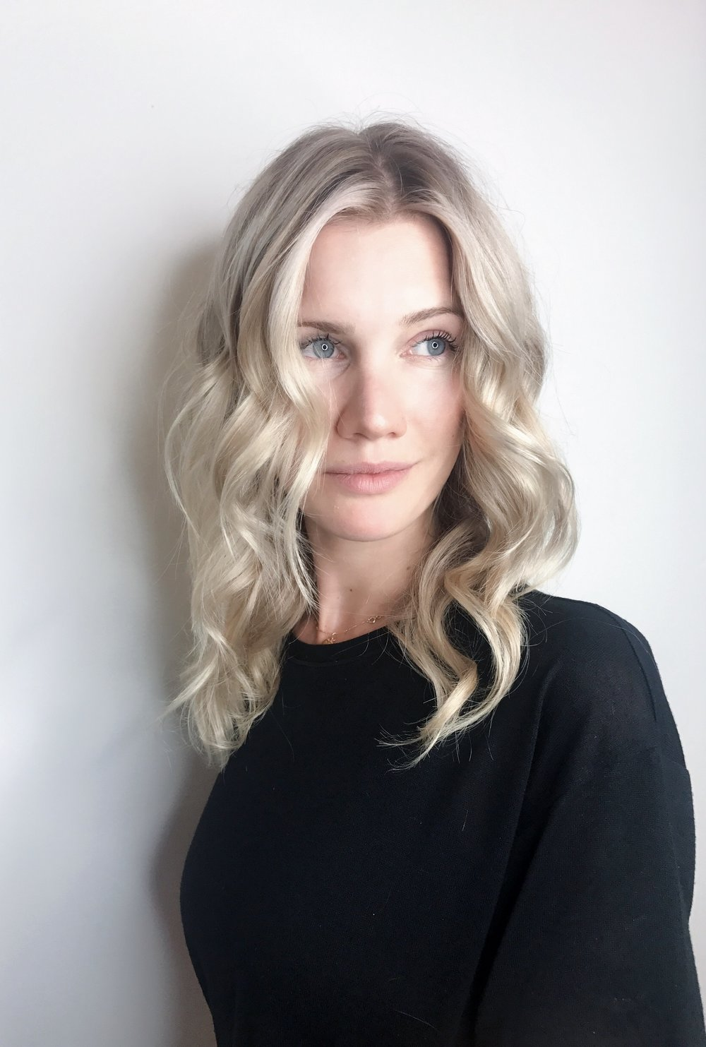 Blonde Hair Mid Length
