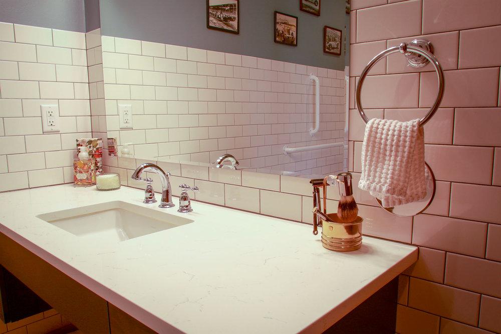 Modena | A Washroom's Simplistic Elegance