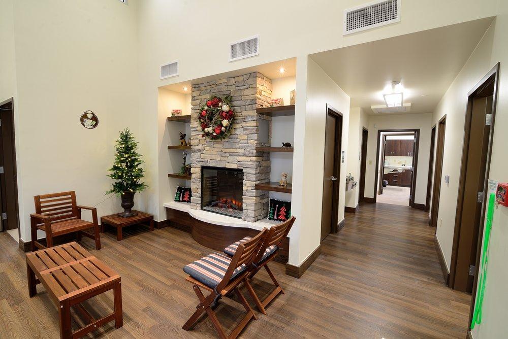 Interior fireplace holiday.jpg