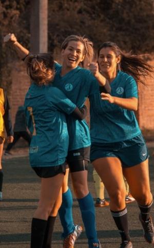 athletes-game-girls-1198174 2.jpg