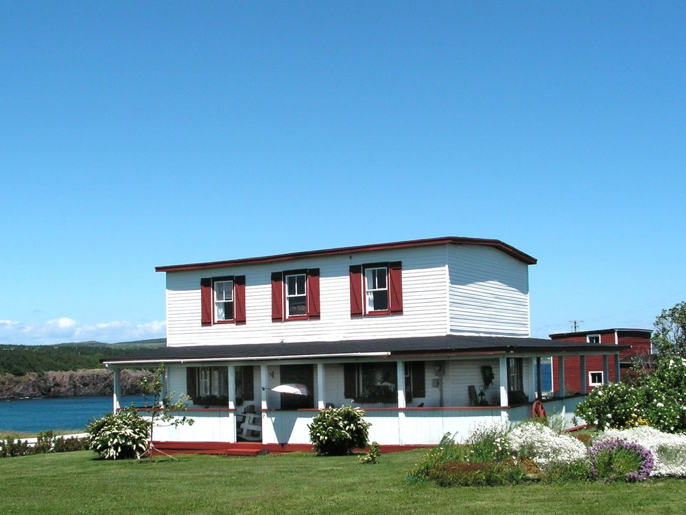 SALTY SEAS COTTAGES, Ochre Pit Cove  -