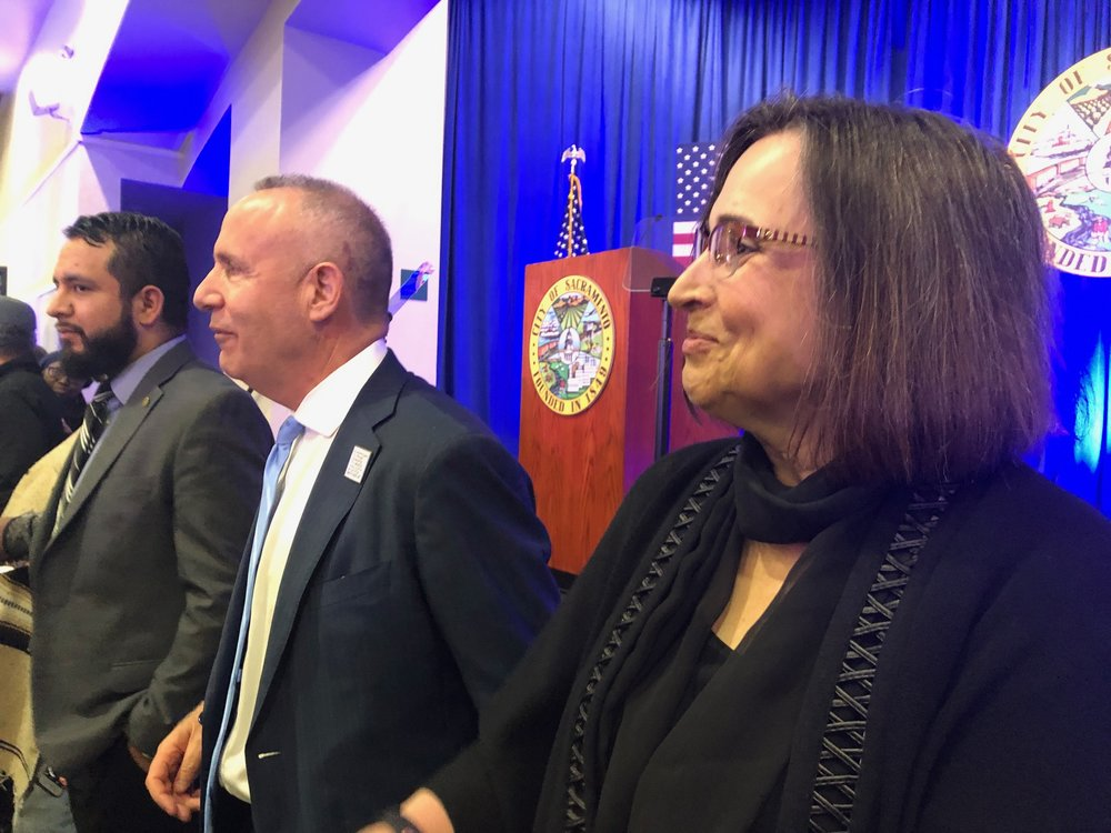 Mayor Darrell Steinberg with his wife, Julie Steinberg, after the State of the City