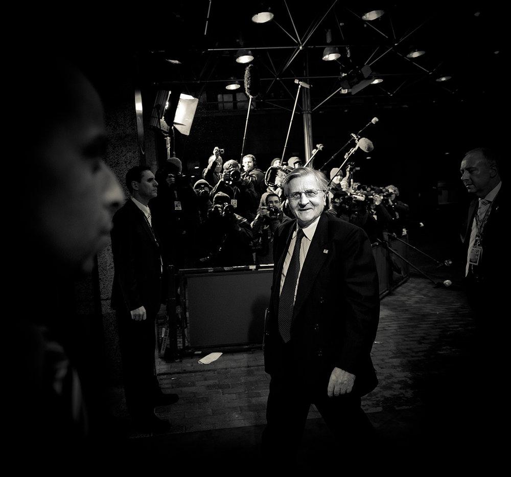 Jean-Claude Trichet, presidente del Banco Central Europeo, llegando una cumbre europea. Foto: Ezequiel Scagnetti