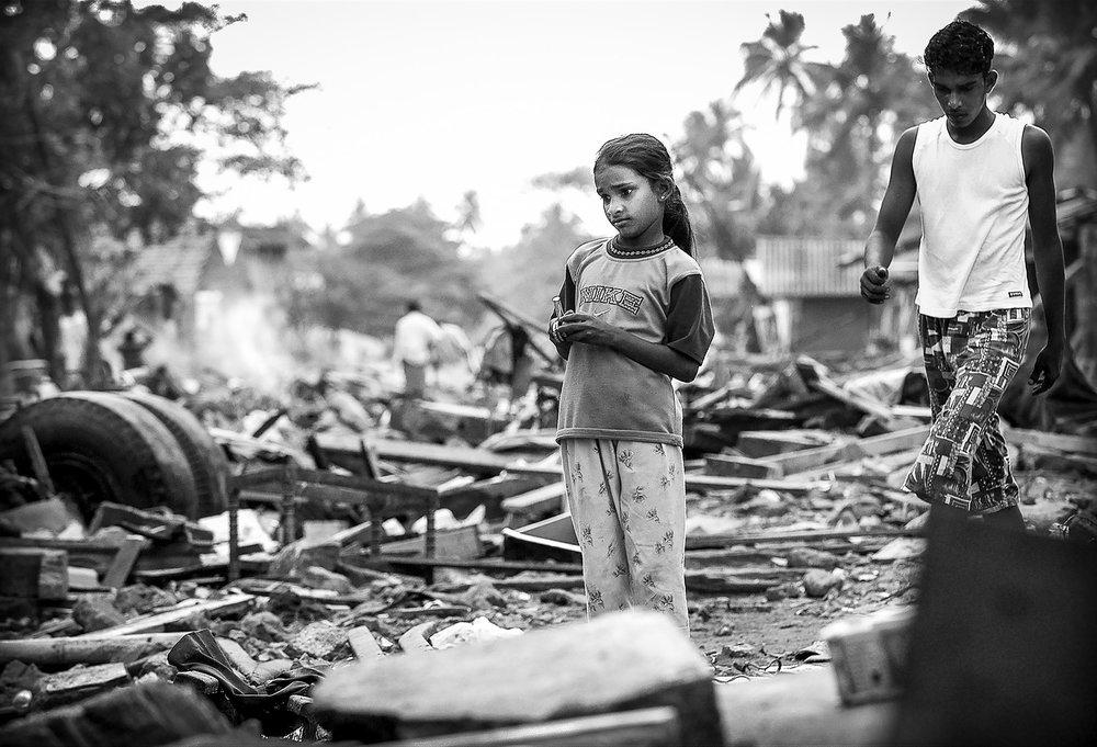 Víctimas del tsunami en Sri Lanka, año 2004. Foto: Ezequiel Scagnetti