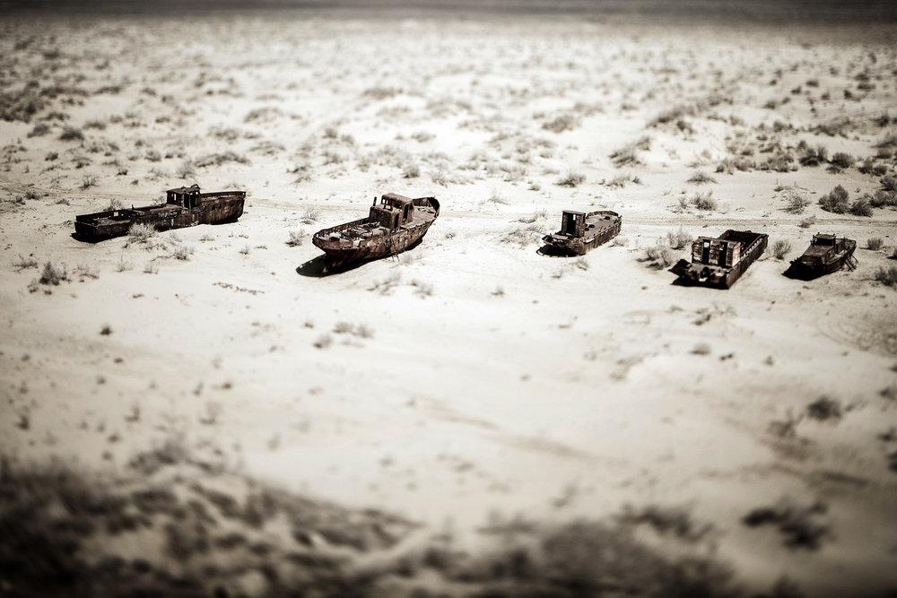 Cementerio de barcos en el Mar de Aral, Uzbekistán. Foto: Ezequiel Scagnetti