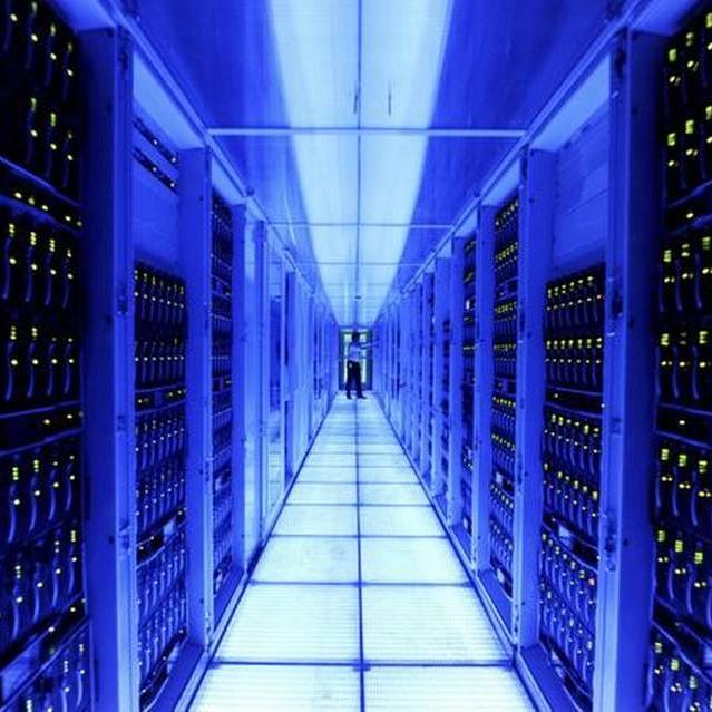 Computer-Hosting-Servers.jpg