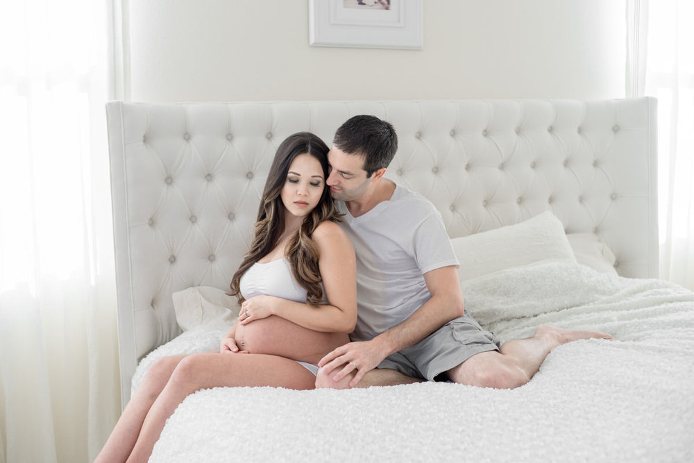 Crissy + Ryan Maternity Boudoir in OC by Jaclyn Le