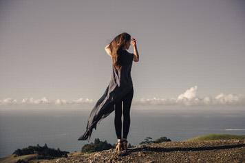 Ocean goddess portrait of Majo Molfino by San Francisco photographer Jaclyn Le