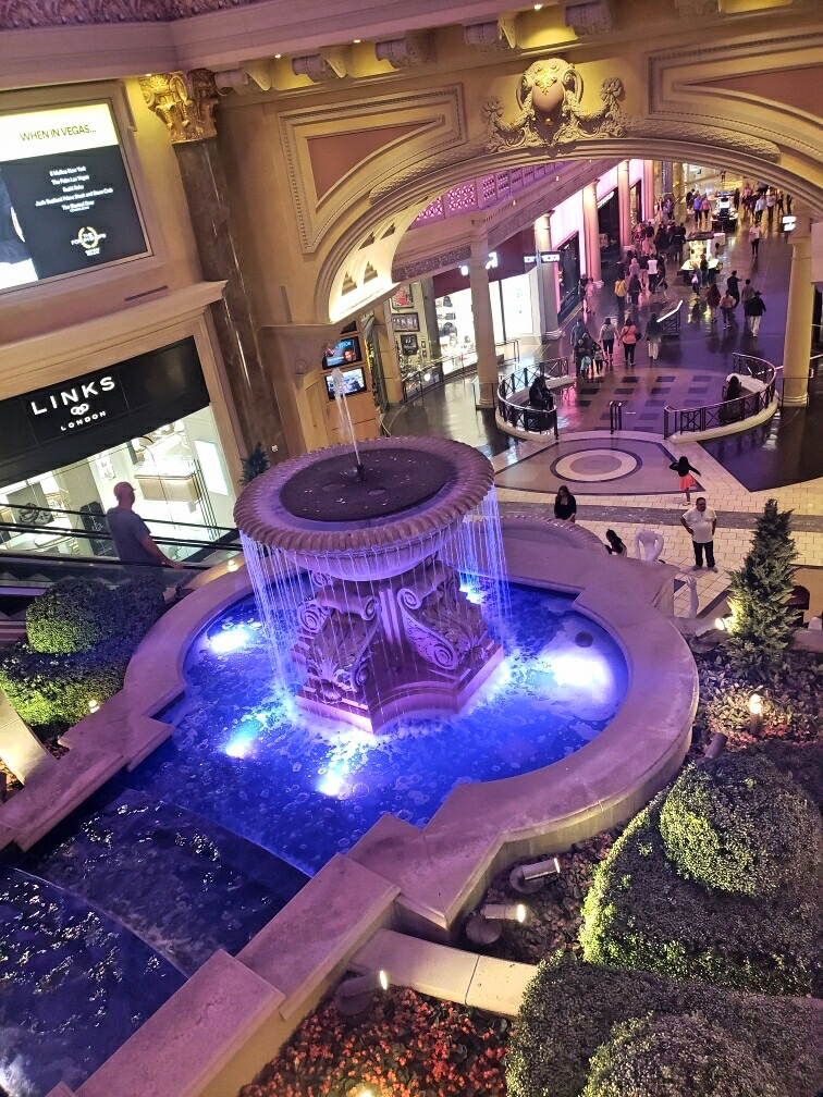 This part of the casino was kind of like the world's fanciest shopping mall.