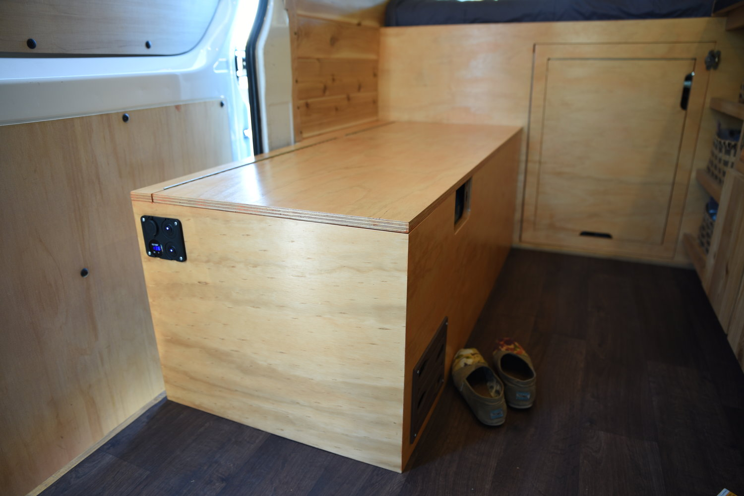 Super How We Built A Bench To Store Our Dometic Fridge In Our Gmtry Best Dining Table And Chair Ideas Images Gmtryco