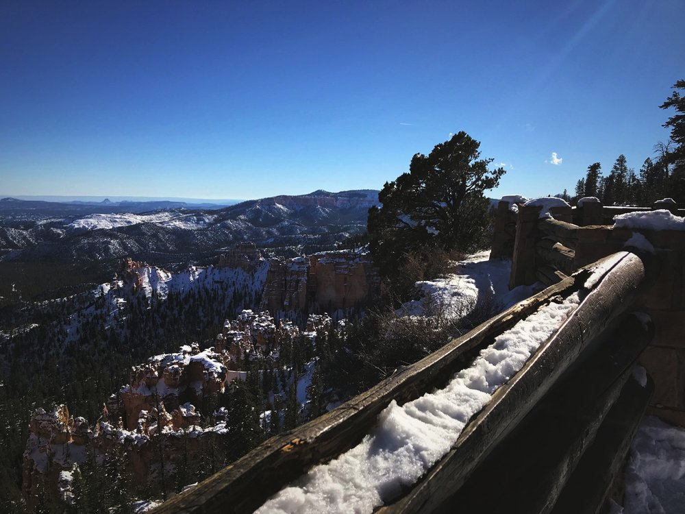Cold or icy conditions might limit your hiking in Bryce, but the viewpoints along Bryce Canyon are a great option instead.