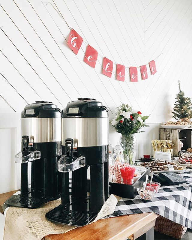 "Did you know that @wearethelocal can provide a cocoa or coffee bar at your event? We love @emilybaileyrealestate idea of having house-made hot cocoa (with all the fixings!) and holiday photos at her client appreciation event here in our studio! From drip coffee, full bar, or a special ""signature drink""...we have you covered! 😋"