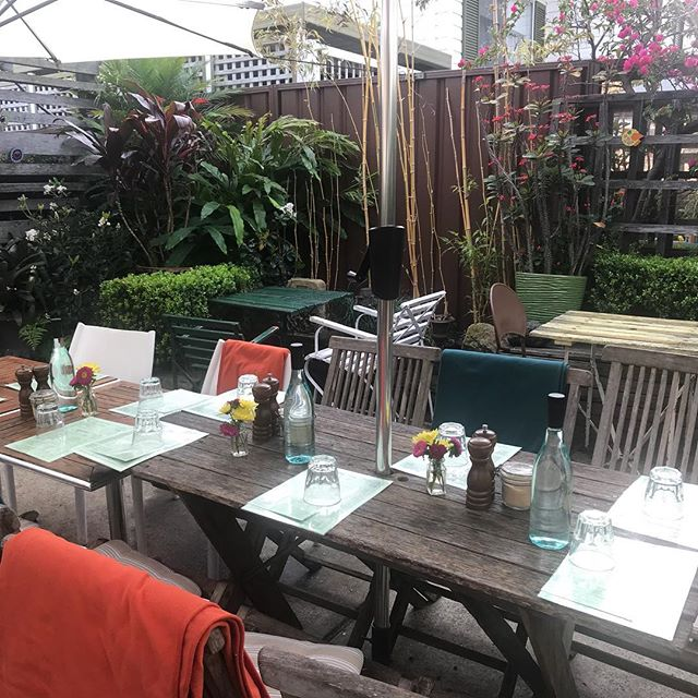 🌿🌸Spring has sprung 🌸 🌿The garden is so peaceful, calm and refreshing this morning and tables are ready reserved for You to come 💕@botannixstudiocafe