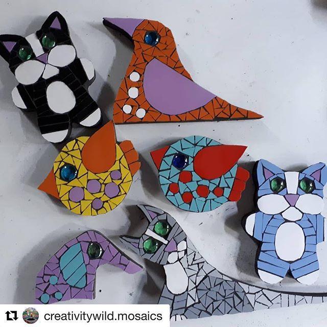 Mini mosaics made by @creativitywild.mosaics #presentideas #mosaics #botanyart #supportlocalartists