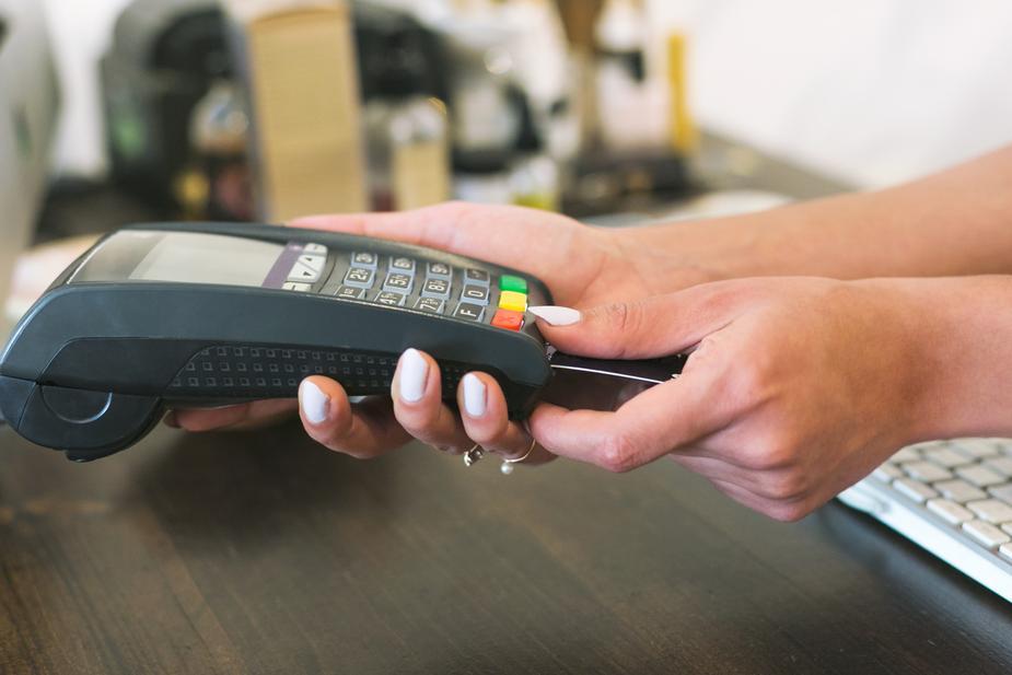 card-reader-payment_925x.jpg