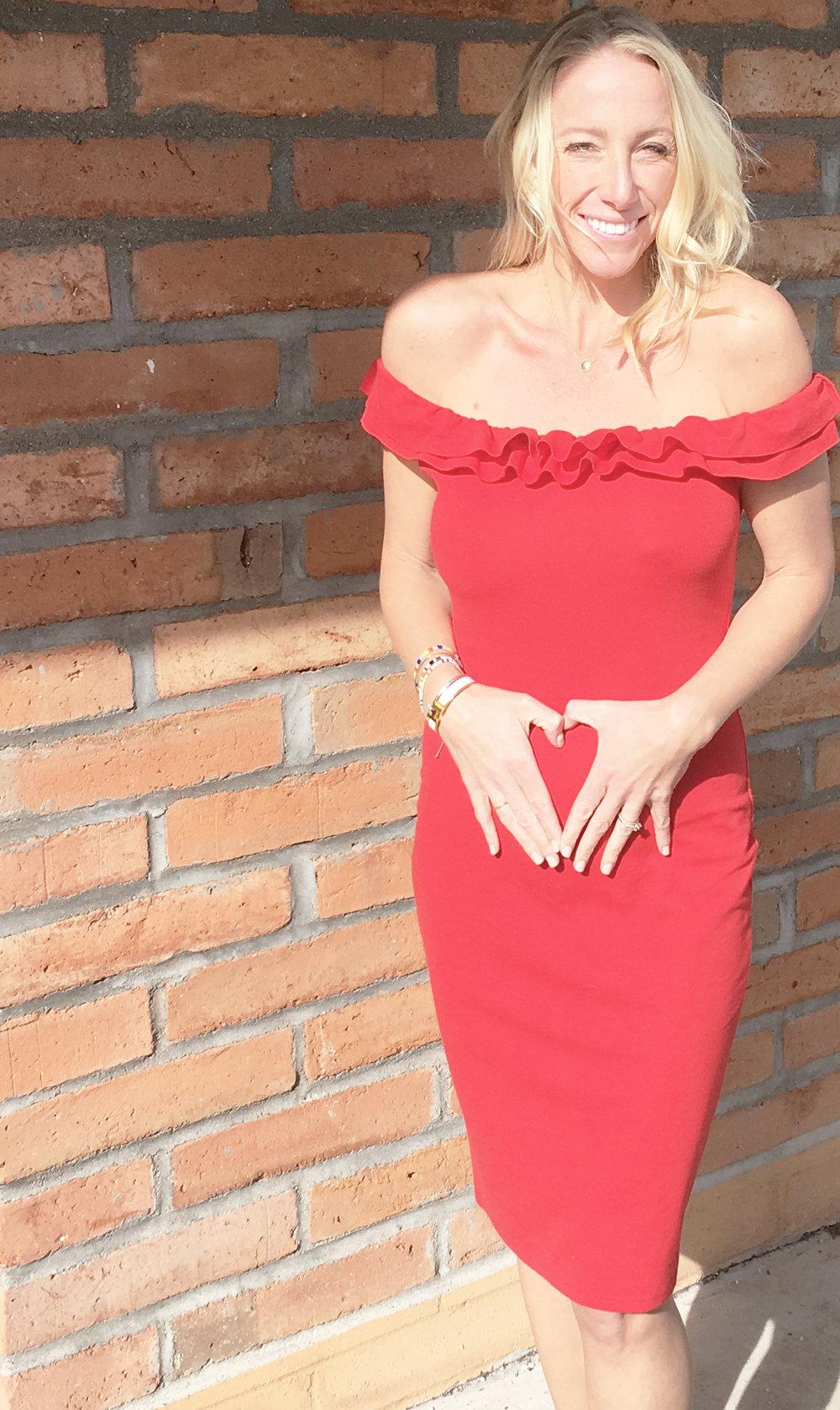 maternity-fashion-valentines-day-red-dress.jpg