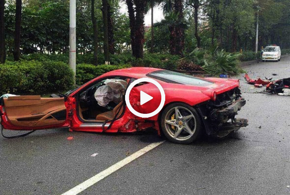ferrari458crash_playnow.jpg