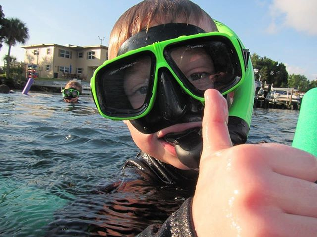 Your trip to Florida simply is not complete without a thumbs up in King's Bay!! Come visit us soon....352-436-8628