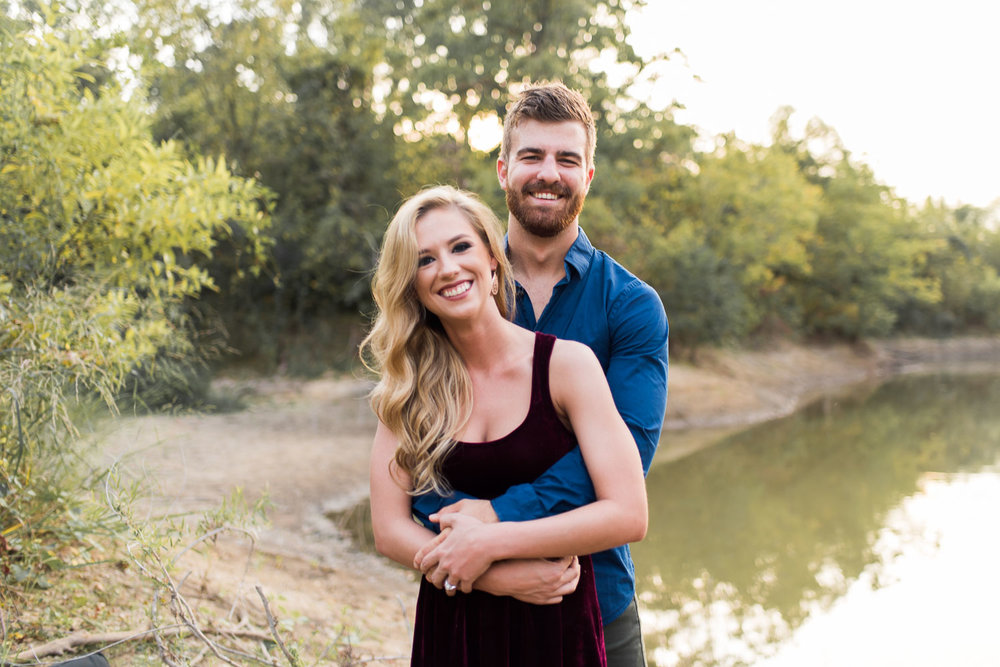 josh - lindsey - engagement - photos - alrington - texas - river - legacy - park-8.jpg