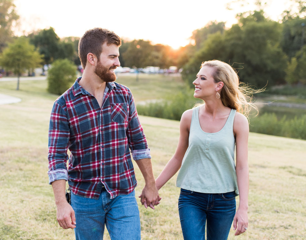 josh - lindsey - engagement - photos - alrington - texas - river - legacy - park-19.jpg